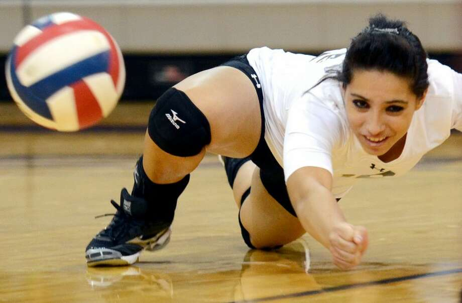 Odessa Permian's Ivy Ramos comes up short on a shot from Midland Lee Tuesday at Lee. James Durbin/Reporter-Telegram Photo: JAMES DURBIN