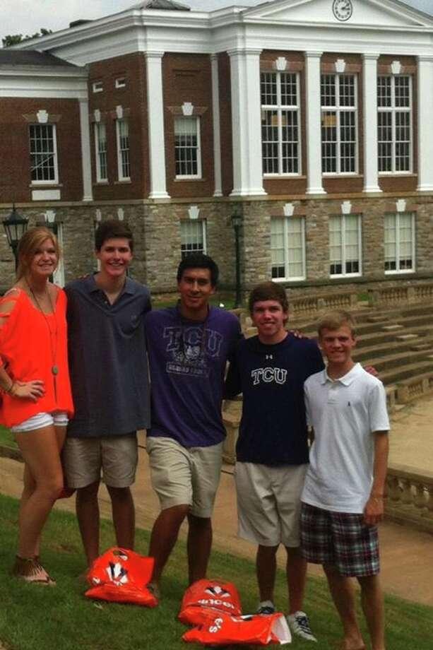 Ava English, Phillip Renaud, Boomer Selvera, Will Farish & Preston Ramsey visiting UVA in Charlottesville, VA
