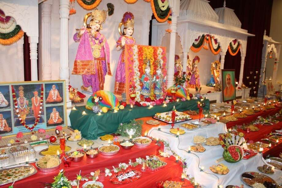 (File Photo) The Hindu Association of West Texas recently celebrated Diwali at the temple in Midland. The association will host a Diwali cultural program Saturday in Odessa. Photo: Courtesy Photo