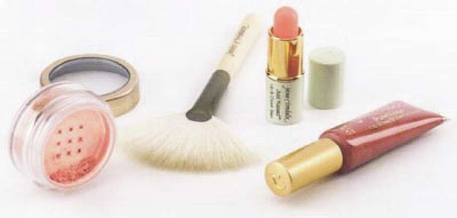 The perfect gift for every woman on your nice list! These items from Jane Iredale are together in the Light Fantastic gift box, on sale now at In Thyme Skin Care.