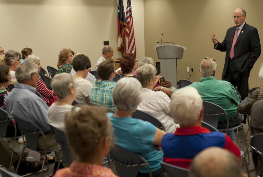 (File Photo) U.S. Representative Mike Conaway speaks with area residents Tuesday at a town hall style meeting at Midland County Centennial Branch Library. Tim Fischer\Reporter-Telegram Photo: Tim Fischer