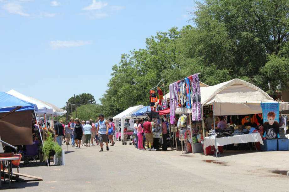 More than 12,000 people attended Old Sorehead Trade Days Saturday and Sunday in Stanton. More than 450 vendors attended the event, which happens three times a year. Trade Days will happen again Oct. 12 and 13, 2013. Meredith Moriak/Reporter-Telegram
