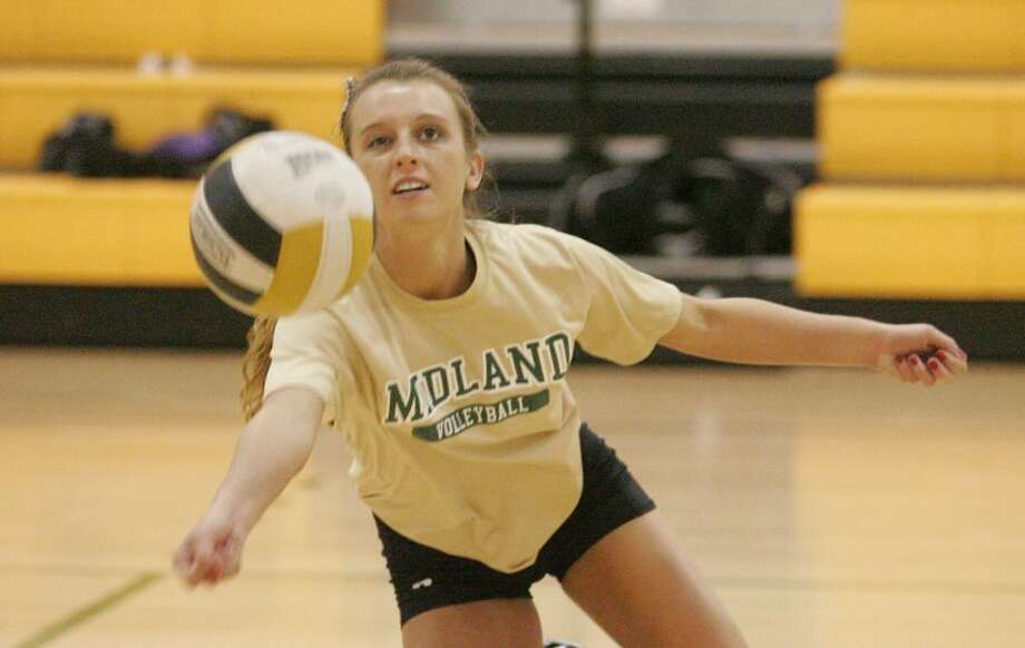 Midland College defensive specialist Addison Zaya dives for a ball during practice Wednesday at Midland College. Cindeka Nealy/Reporter-Telegram Photo: Cindeka Nealy
