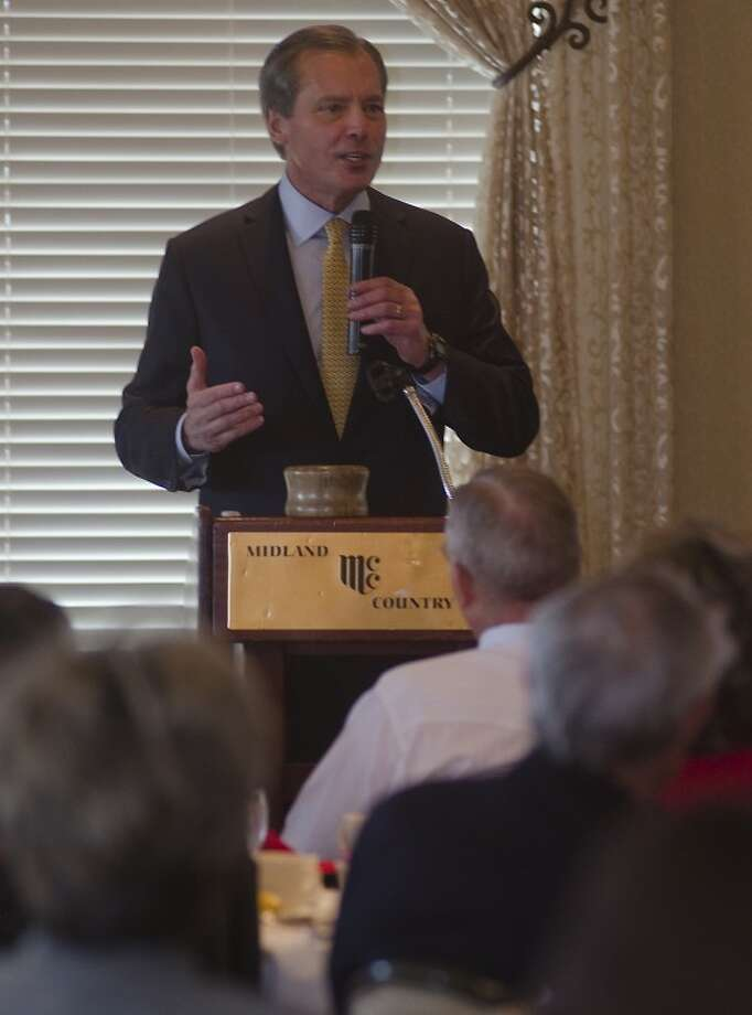 Lt. Gov. David Dewhurst speaks Wednesday to the Midland County Republican Women about his decision to run for U.S. Senate. Photo by Tim Fischer/Midland Reporter-Telegram Photo: Tim Fischer