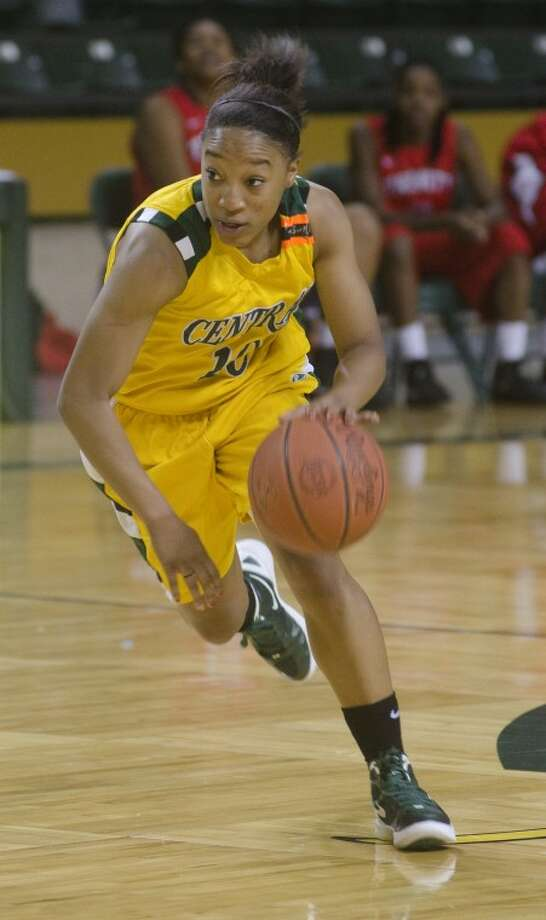 Former Midland High player Paris Webb brings the ball up court Friday for Central Arizona College at the Midland College Women's National Invitational Tournament. Photo by Tim Fischer/Midland Reporter-Telegram Photo: Tim Fischer
