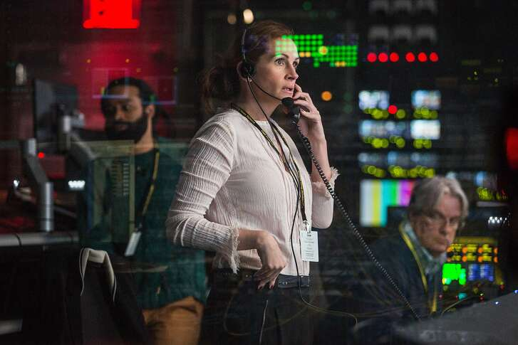 """This image released by Sony Pictures shows Julia Roberts in a scene from """"Money Monster,"""" opening in theaters nationwide on May 13. (Atsushi Nishijima/TriStar Pictures-Sony Pictures via AP)"""