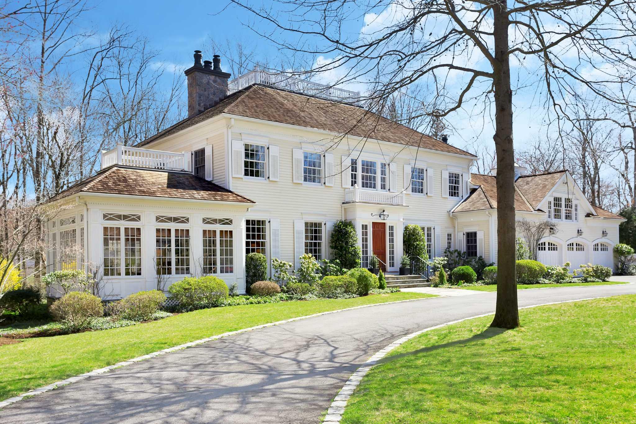Colonial Real Estate : Real estate a colonial on quiet darien cul de sac