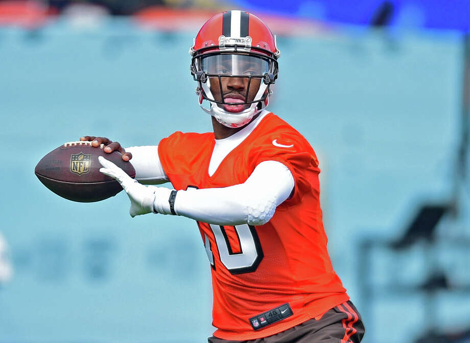 32. Cleveland Browns2015 record: 3-13Cleveland is restarting once again in what seems like a yearly tradition. The good news is they hired a legitimate NFL coach in Hue Jackson. The bad news is they're counting on Robert Griffin III (above) to be their starting quarterback. A 14-man draft class should help build depth ... right? Photo: AP