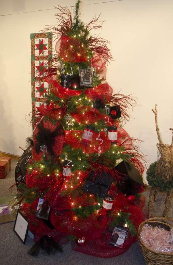 Tree decorated by PBS. Photo by Tim Fischer/Midland Reporter-Telegram Photo: Tim Fischer