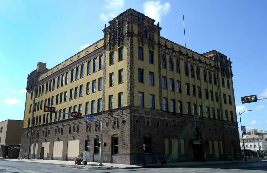 GrayStreet Partners is turning the former San Antonio Light building on Broadway into offices. Photo: Staff File Photo / ©San Antonio Express-News/John Davenport