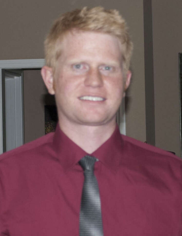 New Lee tennis coach Andy Cariens.
