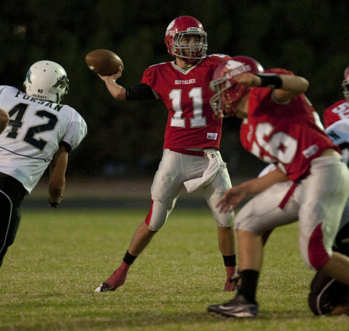 Stanton QB K.J. Glaspie completed 12 of 20 passes for 139 yards, one TD, one interception, plus three rushing touchdowns in the Buffaloes' 42-20 victory.
