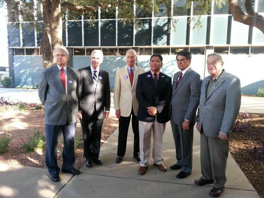 Five of Midland's former mayors have endorsed mayoral candidate Jerry Morales, third from right. The men gathered for a press conference Wednesday morning at City Hall. The former mayors are Ernie Angelo, from left, Mike Canon, Carroll Thomas, J.D. Faircloth and Ed Magruder. Photo: Joe Basco/Reporter-Telegram