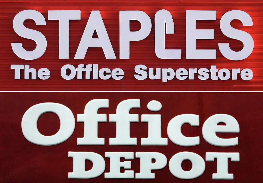 The collapse of the Staples-Office Depot deal will force both companies to develop new strategies.  Photo: Seth Perlman/Alan Diaz, STF / AP