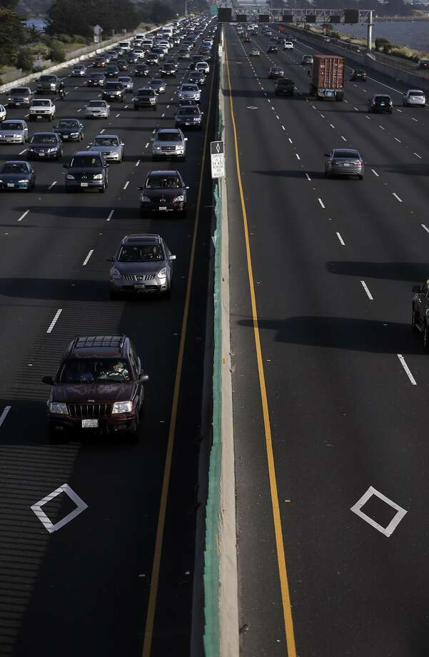 Scofflaws are not just rampant in the morning rush hours. Eastbound carpool lanes on In terstate 80 are also used for evening commutes: About 1 in 5 jam the diamond lane illegally. Photo: Carlos Avila Gonzalez, The Chronicle