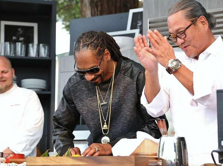 Snoop Dogg and Iron Chef Masaharu Morimoto rolling sushi on the 2015 BottleRock Williams-Sonoma Culinary Stage.