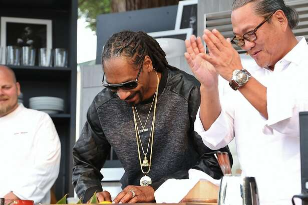 Snoop Dogg and Iron Chef Masaharu Morimoto rolling sushi on the 2015 BottleRock Williams-Sonoma Culinary Stage.