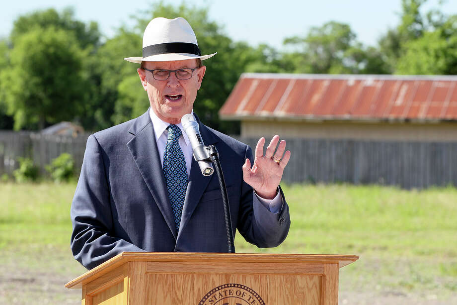 Bexar County Judge Nelson Wolff speaks during groundbreaking ceremonies for the expansion of the City of Kirby Animal Shelter on Thursday, May 5, 2016.  The new 8,000 square foot facilility will provide 62 additional dog kennels and is being built across from the existing one.  Construction, estimated at $820,000 is scheduled to be completed by December.  MARVIN PFEIFFER/ mpfeiffer@express-news.net Photo: Marvin Pfeiffer, Staff / San Antonio Express-News / Express-News 2016