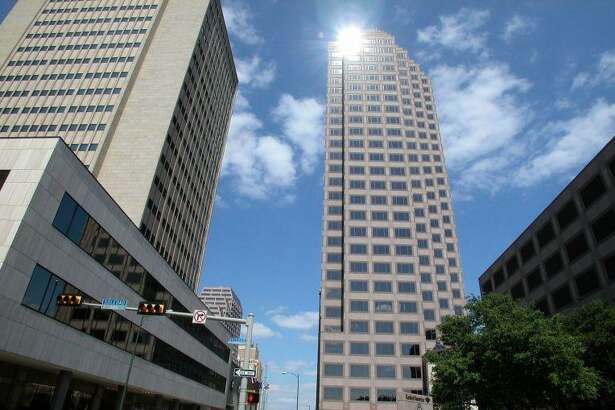 BBVA Compass, an Alabama-based bank with 674 branches nationwide, is moving its local corporate office from the North Side to the Weston Centre tower downtown.