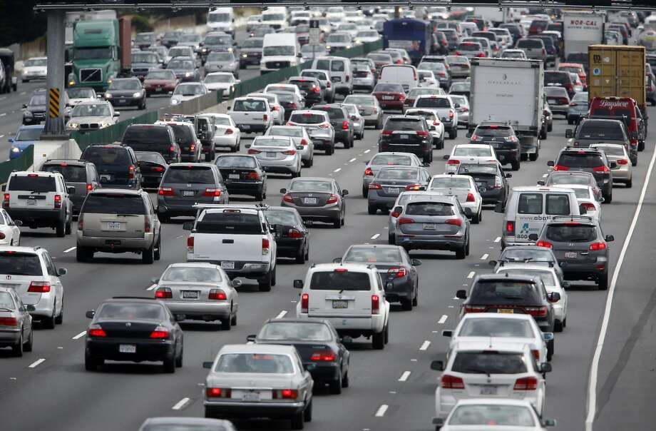 California's greenhouse gas emissions fell less than 1 percent in 2014, despite population growth and increased traffic. Photo: Paul Chinn, The Chronicle