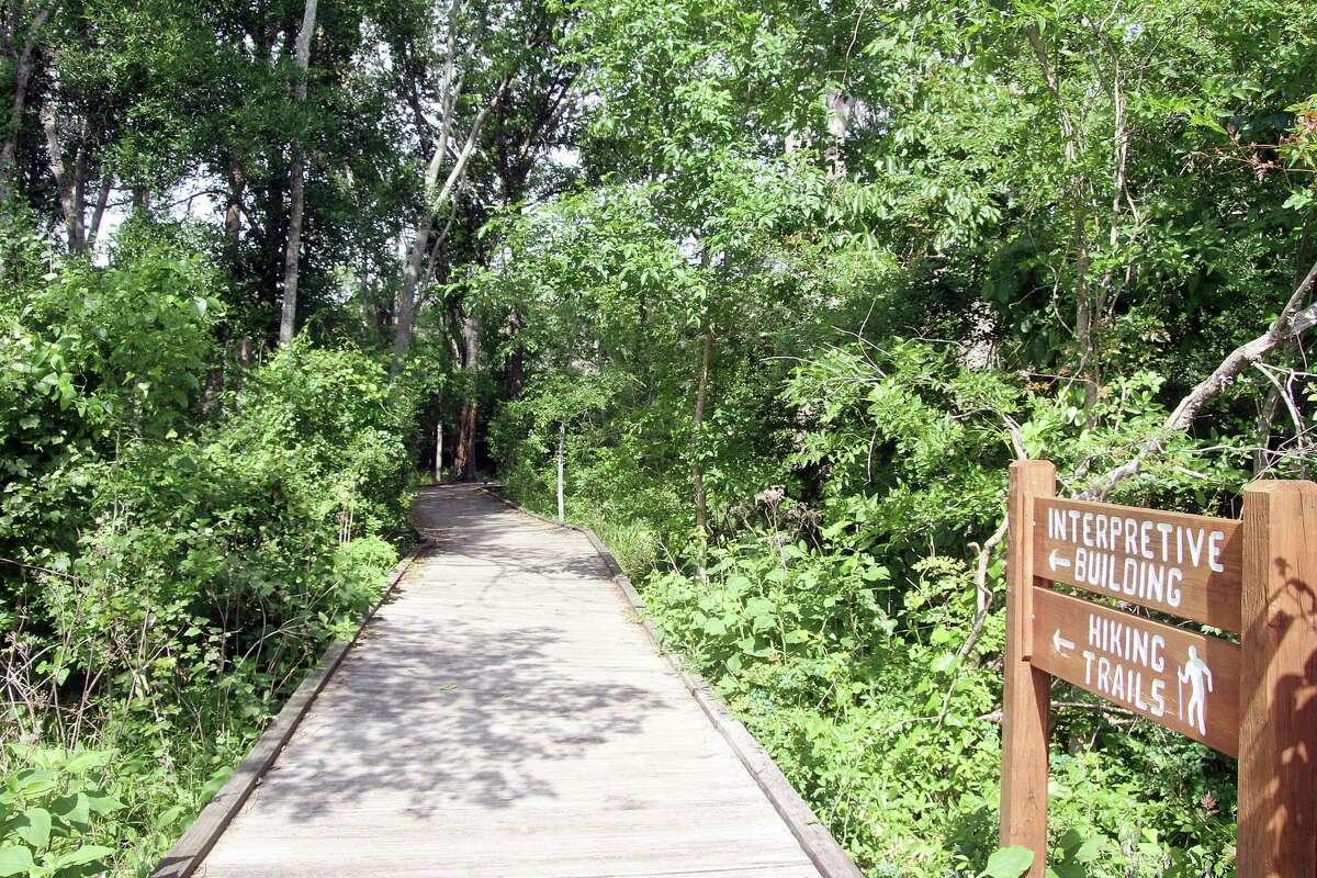 Nature hiking trail at Armand Bayou. Photo by Pin Lim.