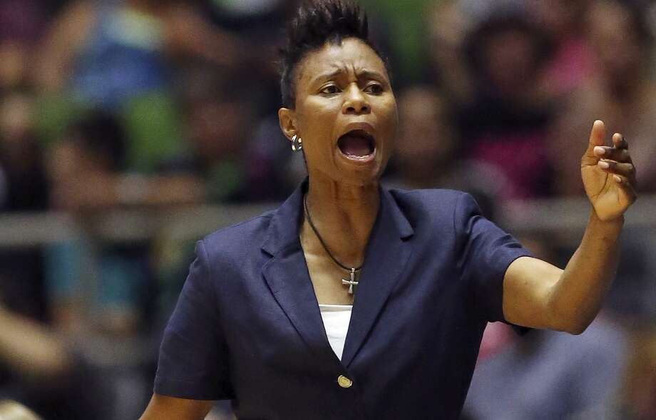 San Antonio Stars assistant coach Vickie Johnson calls a play during second half action against the Phoenix Mercury on June 25, 2015 at Freeman Coliseum. Photo: Edward A. Ornelas /San Antonio Express-News / © 2015 San Antonio Express-News