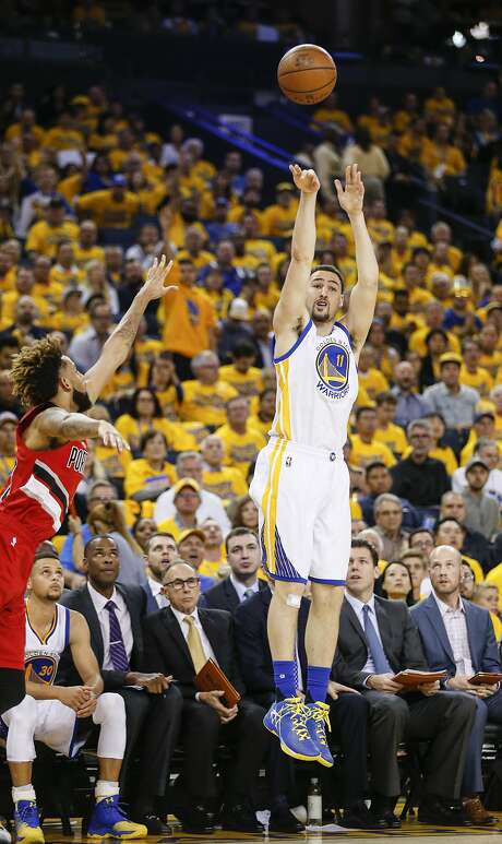 Klay Thompson is an 11-10 odds on favorite to defend his three-point shooting contest title Saturday at Smoothie King Center. Photo: Scott Strazzante, The Chronicle