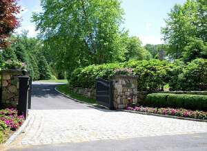 The entrance to 705 West Road in New Canaan, Conn., the home of General Electric CEO Jeff Immelt.