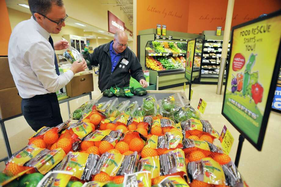 My Hannaford Rewards is being tested at 11 Hannaford stores in Burlington, Vt. with tentative plans to expand chainwide in 2018. Keep clicking for new area store openings and other retail news. Photo: PAUL BUCKOWSKI / 20036562A