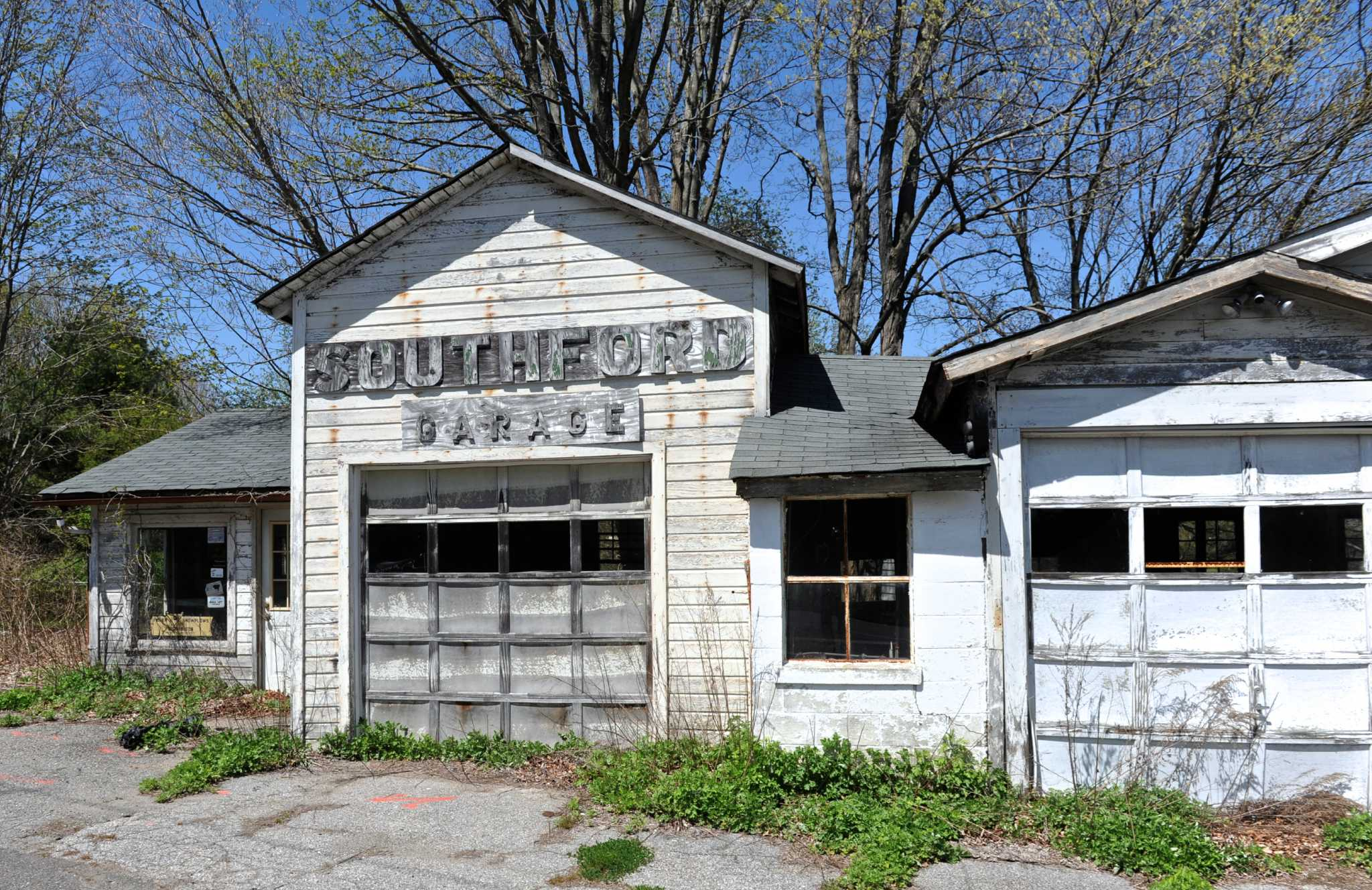 Southbury garden center could make way for gas station - NewsTimes