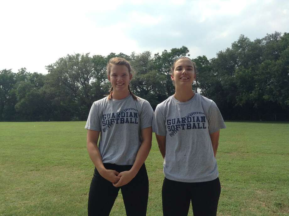 Softball players Kayla, left, and Gabbie Kowalik from Schertz John Paul II in a 2016 file photo. Photo: Express-News File Photo