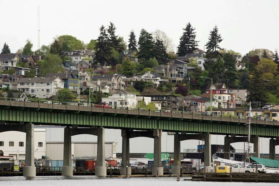 Houses seem stacked on top of one another in Queen Anne above the Ballard Bridge, on April 15, 2016. Photo: GRANT HINDSLEY, SEATTLEPI.COM / SEATTLEPI.COM