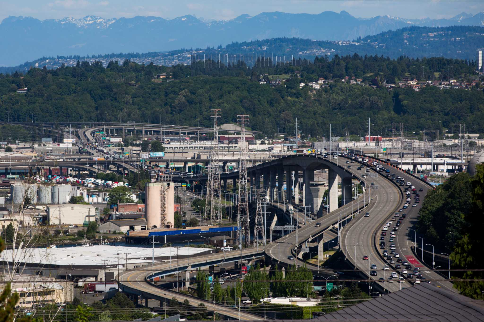 City says West Seattle Bridge will likely not open until 2022 ...