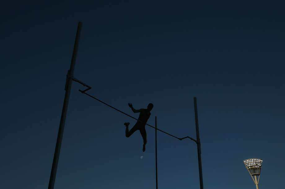 Jacob wasn't just pole vaulting as the only sophomore in a state field filled with juniors and seniors. He's wasn't just vaulting for himself. He was vaulting in his father's memory. Photo: Mark Kolbe, Mark Kolbe/Getty Images