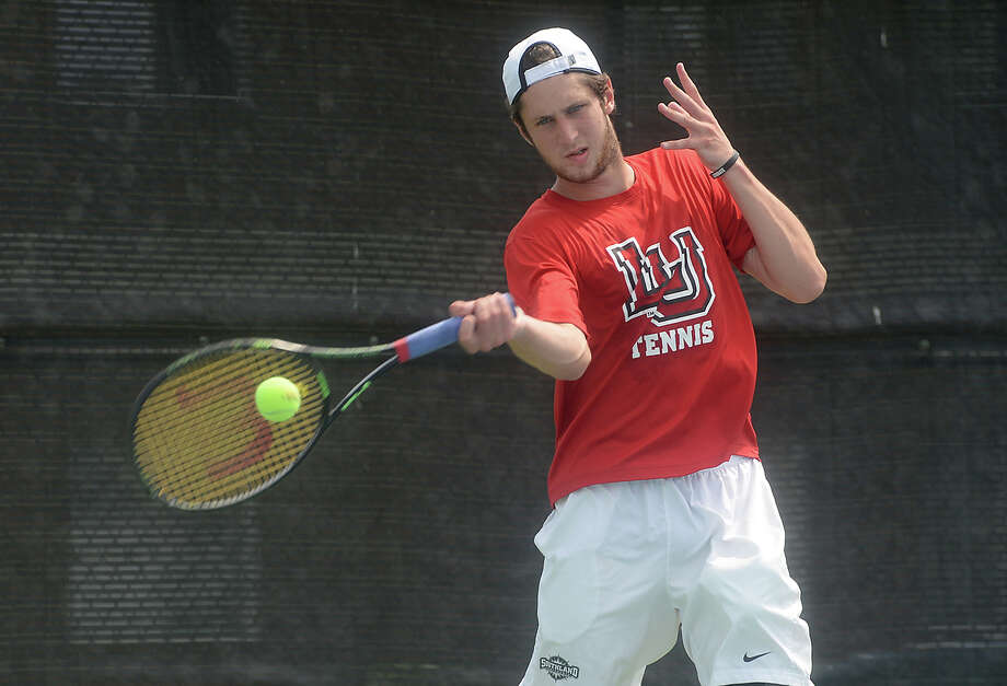 Lamar's Benny Schweizer returns as the tennis team gets in practice on Tuesday, May 10, 2016 Kim Brent/The Enterprise Photo: Kim Brent / Beaumont Enterprise