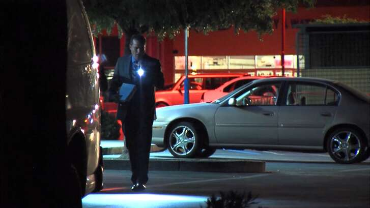 San Jose police investigate a stabbing in east San Jose early Friday morning, May 13, 2016. The fight in a restaurant parking lot ended with the attacker stabbing the victim.