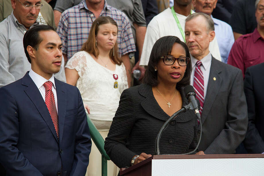 Mayor Ivy Taylor at a news conference announcing the city has effectively ended veteran homelessness in the city of San Antonio, on the steps of City Hall, Friday, May 13, 2016. Photo: Alma E. Hernandez, For The San Antonio Express News / Alma E. Hernandez / For The San Antonio Express News