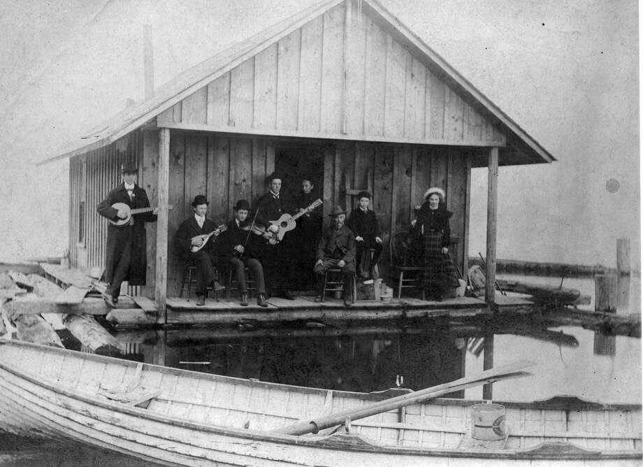 The Schahn family near Rainier Beach, pictured in 1902. Photo: Seattle Municipal Archive