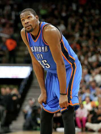 Oklahoma City Thunder's Kevin Durant looks at the sore during second half action of Game 5 in the Western Conference semifinals against the San Antonio Spurs Tuesday May 10, 2016 at the AT&T Center. The Thunder won 95-91. Photo: Edward A. Ornelas, Staff / San Antonio Express-News / © 2016 San Antonio Express-News