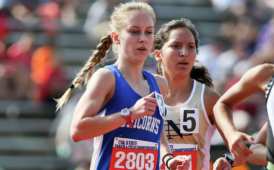 New Braunfels' Paige Hofstad runs in the 6A girls 3,200-meter run during the second day of the UIL state track and field championships at Myers Stadium in Austin on May 13, 2016. Hofstad won the event with a time of 10 minutes, 23.91 seconds. Photo: Marvin Pfeiffer /San Antonio Express-News / Copyright 2015 Marvin G. Pfeiffer, Jr.