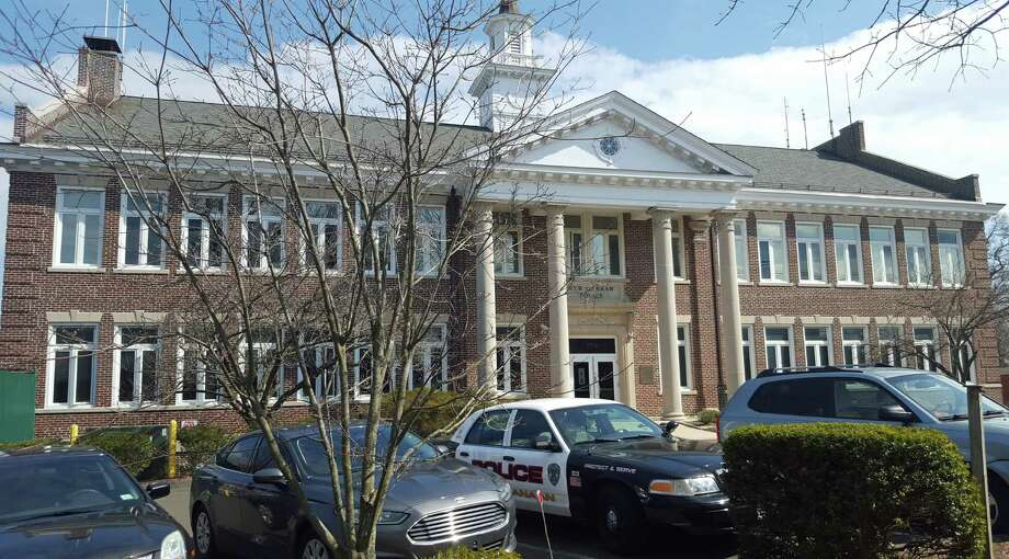 New Canaan police headquarters. Photo: Thane Grauel / Hearst Connecticut Media / New Canaan News