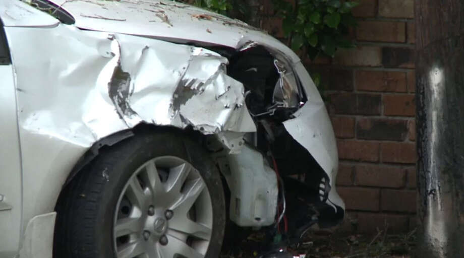 A young woman died Sunday after being hit trying to cross Chimney Rock at Gulfton around 6:30 a.m. The driver of the car that hit her fled the scene, which was right in front of Rodriguez Elementary School. Photo: Metro Video