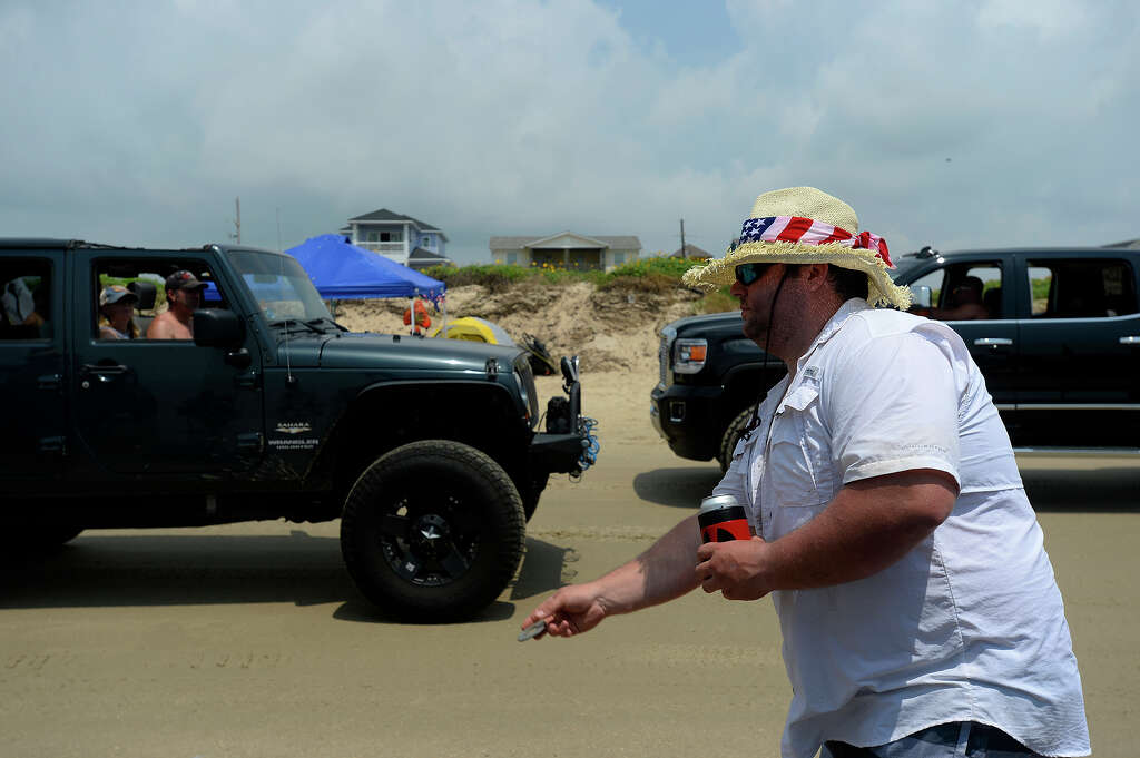 Texas Jeep enthusiasts flaunt custom rides during \'Go Topless ...