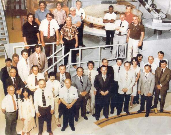 The Perkin-Elmer staff at its Wilton facilty around 1980. At Wilton, Perkin-Elmer did the intial polishing of the Hubble mirror, before sending it to Danbury for completion. Photo: Contributed Photo / The News-Times Contributed
