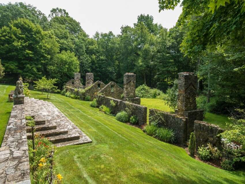42 Lower Cross Rd, Greenwich, CT 06831 7 beds 6.5 baths 6,123 sqft Features:Vestiges of the original stone farm structures, living room with French doors opens to terrace overlooking swimming pool,expansive terrace, rugged stone walls, manicured lawns, mature trees View full listing on Zillow
