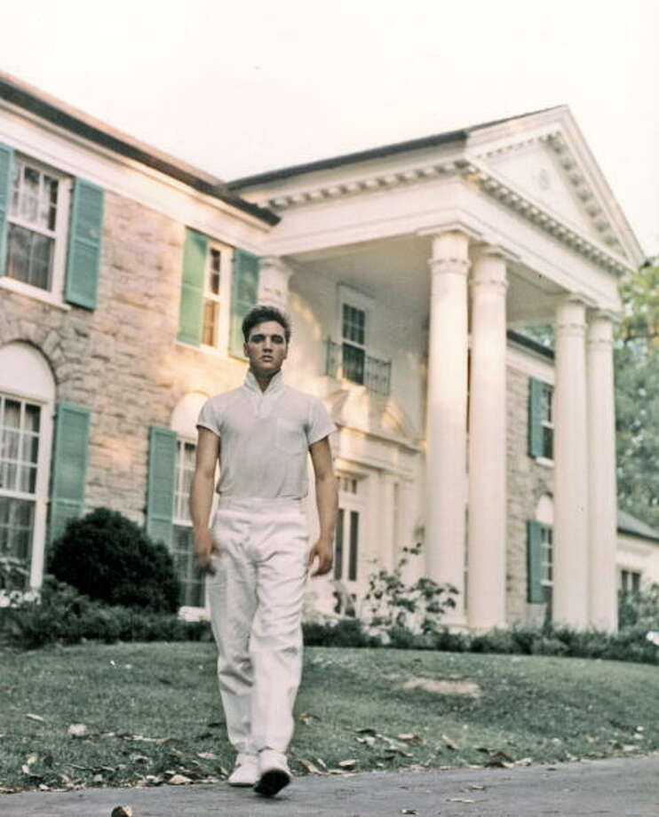 MEMPHIS, TN - CIRCA 1957:  Rock and roll singer Elvis Presley strolls the grounds of his Graceland estate in circa 1957. (Photo by Michael Ochs Archives/Getty Images) Photo: Getty