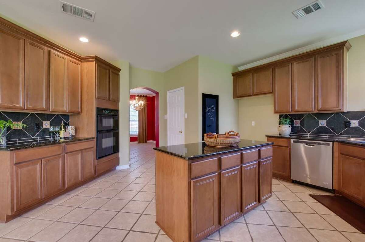 1218 BROOK BLUFF San Antonio, 78248 MLS#1176305 URL: http://listings.kwsanantonio.com/result&id=1176305