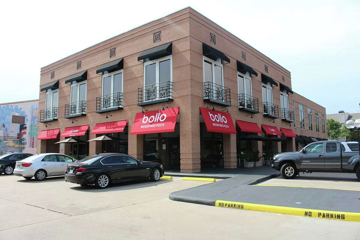 Exterior of Bollo Woodfired Pizza, 2202 W. Alabama, which is marking its one-year anniversary with food and drink specials on May 25, 2016.