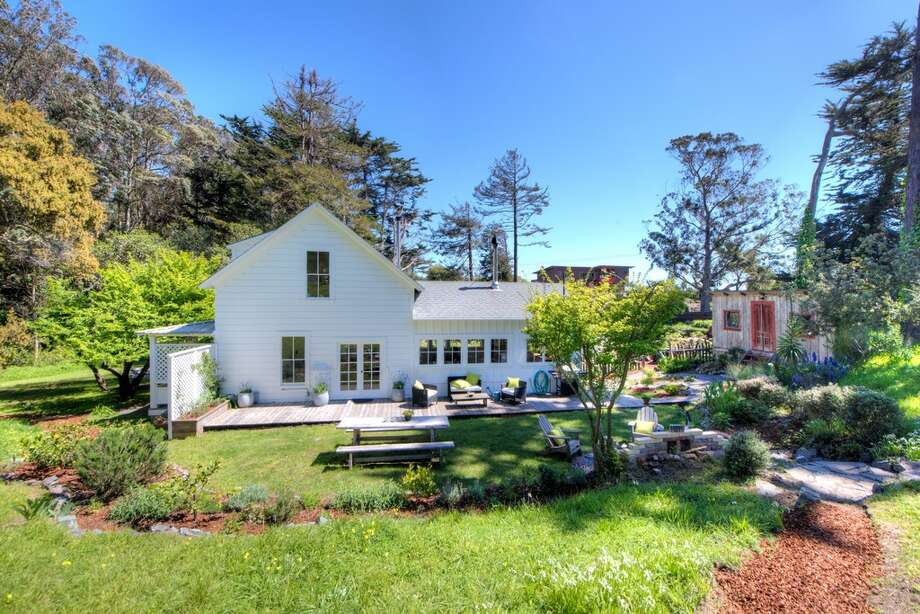 A restored Bolinas farmhouse, which closed in May 2016, sold only a week after it became available for sale. Photo: Matt McCourtney Photography