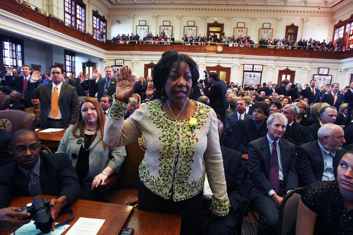 Ruth McLendon Jones raises her hand to be sworn in at the convening of the 81st Texas Legislature in Austin January 13, 2009. Tom Reel/Staff